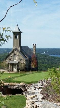 Next time we're in Branson, find this! Top of the Rock, Branson, MO Branson Vacation, Vacation Trips, Vacation Spots, Vacations, Vacation Ideas, Abandoned Churches, Old Churches, Places To Travel, Places To See