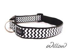 Black & White Chevron Pattern Designer XL Dog Collars by Willow #XLDogs #PetAccessories Get Yours Here: http://www.ebay.com/sch/willowpets/m.html?item=231968920899&hash=item36026cd543%3Am%3AmxNmlRHII9pMhtGj6d0xDjA&var=&rt=nc&_trksid=p2047675.l2562