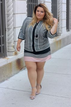 0c860056df9f9 Gorgeous plus size shift dress on blogger Natalie in the City. Big Girl  Fashion