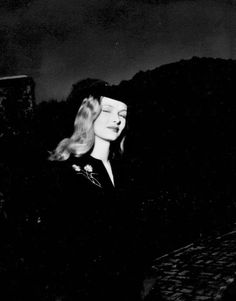 Rare photo of Veronica Lake in the 1940s.