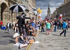 ➳ Verano en #Escocia Cómo disfrutar de #Edimburgo en verano y superar tu miedo a los fantasmas  #AprenderInglés #LearnEnglish  Learn English, Inglés, English, Learn English, Aprender Ingles, Cursos de Idiomas, estudiar inglés en el extranjero, study abroad