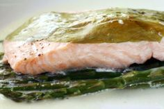 French in a Flash: Salmon with Sorrel and Asparagus en Papillote Recipe Seafood Recipes, Dinner Recipes, Lemon Salmon, Baked Asparagus, Serious Eats, Fish And Seafood, Couscous, Meal Planning, Food And Drink
