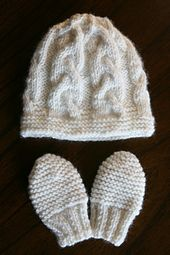 Free knitting pattern - Pretty Cable Hat for 3-6 months and matching mittens - by EtsyBitsyToes/Lyudmyla Vayner