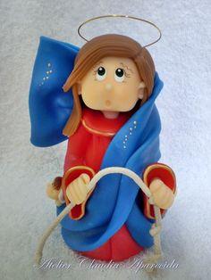 Nossa Senhora Desatadora dos Nós  modelada em biscuit com características infantis.  Elo7 - Atelier Claudia Aparecida
