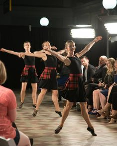 Scottish Highland Dance, Scottish Highlands, Highland Games, Dance Choreography, Irish Dance, Dance Photos, Cheer Skirts, Dancing, Costumes