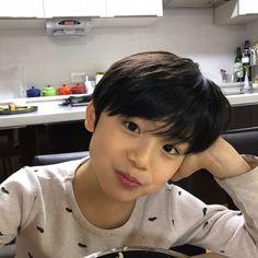 Cute Asian Babies, Korean Babies, Asian Kids, Cute Babies, Cute Kids Pics, Cute Baby Pictures, Cute Boys, Cute Little Baby, Little Babies