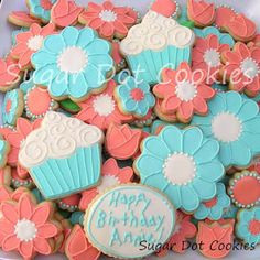 Suger Dot Cookies - Tutorial on making flower centers on sugar cookies using royal icing