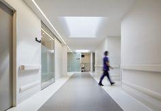 Expansion of Cabrini Medical Centres in Melbourne, Australia - Perspective Medical Design, Healthcare Design, Healthcare Architecture, Interior Architecture, Nurses Station, Corridor Design, Gym Interior, Pet Clinic, Hospital Design