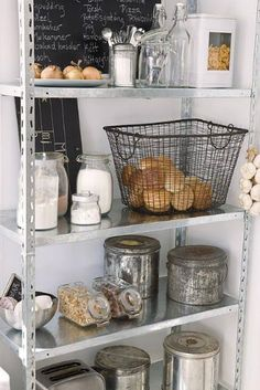 Vintage Industrial Decor - If you wish to get a vintage industrial kitchen design we will help you! Get inspired! Open Shelving, Industrial Decor Kitchen, Modern Country Kitchens, Kitchen Remodel, Country Kitchen, Home Kitchens, Apartment Inspiration, Kitchen Shelves, Kitchen Design