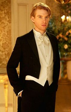 General Hux before all the shit with the First Order came. Domhall Gleeson, Beautiful Men, Beautiful People, Divas, Ginger Boy, Ex Machina, Celebrity Crush, Pretty Boys, Pretty People