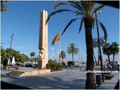 Obra de Josep María Subirachs 1983 que se ha convertido uno de los símbolos de la villa. Es un obelisco vaciado en su parte baja con la imagen del que fue primer presidente de la Generalitat republicana, Francesc Macià, nacido en Vilanova en 1859.1e...
