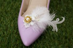 Hey, I found this really awesome Etsy listing at https://www.etsy.com/au/listing/255164118/white-feather-shoe-clips-lace-pearl-gold
