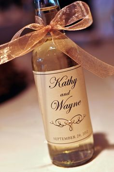Mini Wines For Wedding Favor - Wedding favors are little presents given as a gesture of admiration or appreciation to gues Coffee Wedding Favors, Succulent Wedding Favors, Creative Wedding Favors, Inexpensive Wedding Favors, Edible Wedding Favors, Best Wedding Favors, Rustic Wedding Favors, Wedding Labels, Wedding Favor Tags