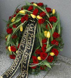 Grave Decorations, Table Decorations, 23 December, Funeral Flowers, Diy Flowers, Floral Arrangements, Christmas Wreaths, Bouquet, Holiday Decor