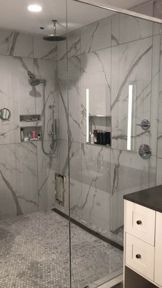 A lovely Powder Room ideal for guests and last minute… Wet Room Bathroom, Modern Master Bathroom, Master Bathroom Shower, Small Bathroom, Master Baths, Master Bathrooms, Bathroom Design Luxury, Kitchen And Bath Design, Shower Remodel