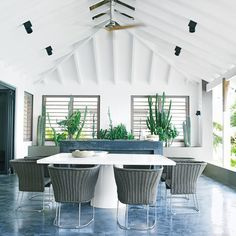 Simple and Sophisticated - 10 Stunning Island Dining Rooms - Coastal Living
