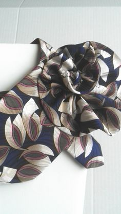Beautiful trendy collar created from a tie. The perfect accessory for any outfit. by BeansOneOfAKind on Etsy