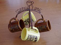 Fabulously Mod set of 4 Vintage 1970s Enesco It's Coffee Time Mugs and metal stand by retrowarehouse