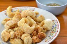 Torresmo é ideal para um petisco ou como aperitivo. Aprenda a fazer com a nossa receita :) #torresmo #receitas #comida