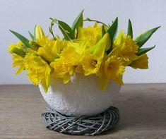 Vase, Diy, Home Decor, Yellow Tulips, Dough Bowl, Creative Decor, Toilet Paper, Upcycling Ideas, Decoration Home