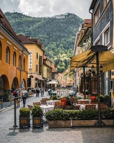 All the colours of Brasov ~~~~~~~~~~~~~~~~~~~~~~~~~~~~~~~ Brasov Romania, Bucharest Romania, Hidden Places, Places To Visit, The Beautiful Country, Beautiful Places, Travel And Tourism, Travel Destinations, Castles To Visit