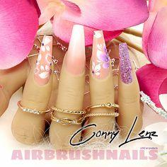 Airbrush Naildesign mit BL4284 Klebeschablonen - LENZ art products - Kreativ von A-Z - Airbrush #nailart #nailart2021 #airbrush #airbrushnails #nailartairbrush #naildesign #nageldesign Airbrush Nailart, Nail Art, Nails, Leaf Stencil, Creative, Finger Nails, Ongles, Nail Arts, Nail Art Designs