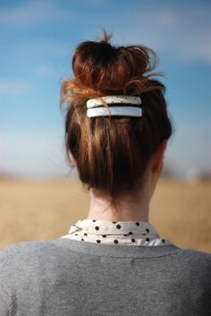 Upgrade that up-do with this fabric-covered hair clip #DIY!