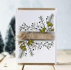 Coucou !! J'arrive au bout de mes cartes de vœux, je pensais ne plus avoir d'inspiration mais la magie des Fêtes de fin d'année reste intacte donc je poursuis dans les vœux , encore des cartes à offrir et puis quand on aime on ne compte pas ah ah !! Voici deux cartes faites sans …