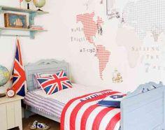 papier peint enfant blanc à motifs des continents dans la chambre garçon