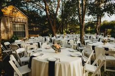 #dfwoutdoorvenues #fortworthgardenweddings #rusticgardenweddings
