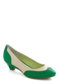 Sweet Spectator Heel in Spearmint. You wander the kitchens at the bake-off, admiring mouth-watering recipes as sweet as your vintage-inspired kitten heels by Bait Footwear. #green #modcloth