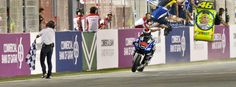 Lorenzo wins at Losail, Rossi surges back and Márquez on podium