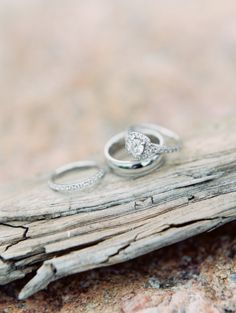 Engagements Rings : Engagement ring glam: www. Cheap Engagement Rings, Wedding Engagement, Engagement Photos, Wedding Day, Wedding Stuff, Dream Wedding, Ontario, Rings 2017, Wedding Ring Pictures
