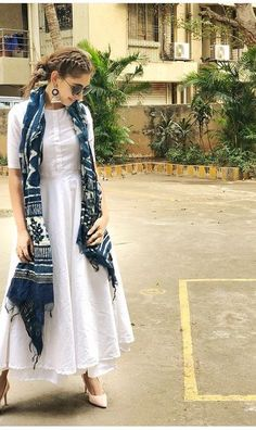 Designer dresses indian - Indian bolywood summer maxi dress with skirt with indigo Etsy Indian Attire, Indian Ethnic Wear, Ethnic Dress, Pakistani Dresses, Indian Dresses, Kurti Pakistani, Indian Salwar Kameez, Indian Designer Suits, Designer Kurtis