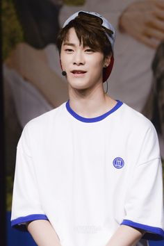 ASTRO Fans Were Chanting The Song Incorrectly, Moonbin's reaction was captured