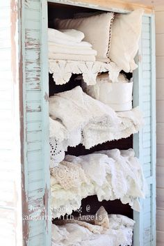 vintage lace pillows and linen