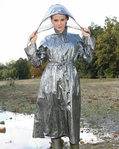 Chez Helena. Vinyl Raincoat, Plastic Raincoat, Pvc Raincoat, Plastic Pants, Imper Pvc, Rain Bonnet, Raincoat Jacket, Pvc Coat, Raincoats For Women