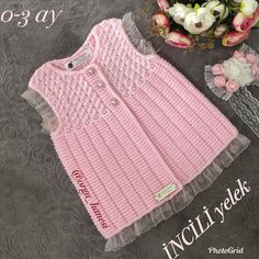 This Pin was discovered by Emi Baby Cardigan Knitting Pattern, Baby Knitting Patterns, Baby Patterns, Gilet Crochet, Crochet Baby, Crochet Designs, Knitting Designs, Knit Baby Dress, Baby Pullover