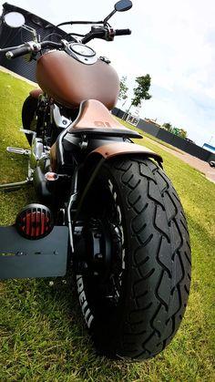 Sonhos... #harleydavidsoncustombobber Honda Bobber, Motos Honda, Bobber Bikes, Bobber Motorcycle, Bobber Chopper, Cool Motorcycles, Honda Shadow Bobber, Custom Bobber, Custom Harleys