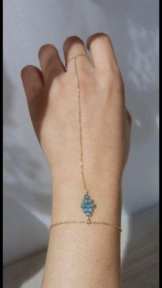 Wire Jewelry Rings, Wire Jewelry Designs, Handmade Wire Jewelry, Bead Jewellery, Resin Jewelry, Cute Jewelry, Wire Wrapped Jewelry, Jewelry Crafts, Beaded Jewelry