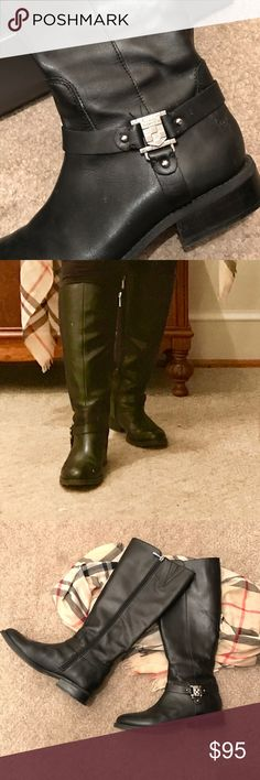 """SOLD - VINCE CAMUTO boots WIDE CALF VINCE CAMUTO boots with a wide calf. I have an 18"""" calf and I can zip these up! Yay! Vince Camuto Shoes Heeled Boots"""