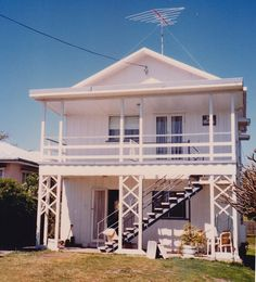 Mapping/information system for Sunshine Coast Places of heritage significance, Moffat Beach Beach Huts, Beach Shack, Moffat Beach, Good House, Beach Town, Sunshine Coast, South Wales, Exterior Colors, House Colors