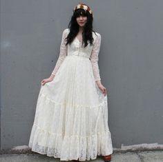 ROMANTIC Gunne Sax Ivory Lace Wedding Dress by luckyvintageseattle