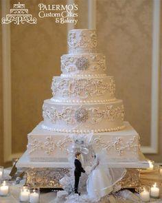 Unique Vintage Wedding Cakes | White vintage traditional wedding cake