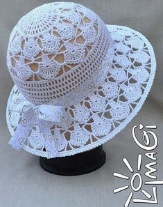 We found a very nice hat model for you. You can learn how to do it by examining the pictures. It is explained in detail.Non-English (Russian maybe?) pattern for purchase. Zapytaj LiveInternet - rosyjskie Diarie… na Stylowi.Crochet Summer or Sunday Bonnet Crochet, Crochet Cap, Crochet Beanie, Love Crochet, Crochet Stitches, Knitted Hats, Crochet Patterns, Hat Patterns, Filet Crochet