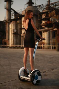otomo(オオトモ) ninebot(ナインボット) 操縦者の重心移動により運転する未来型移動ツール ナインボットエリート(ヘルメット付属)