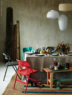 Love the idea of different colored bright painted chairs . Dining Room Interior from ikea Interior Ikea, Interior Styling, Interior Design, Ikea Dining, Dining Chairs, Dining Table, Dining Rooms, Wood Table, Ikea Folding Chairs