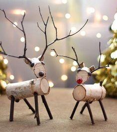 Rustic and natural Christmas decorations. - Home Decor Ideas Wood Reindeer, Reindeer Craft, Reindeer Ornaments, Natural Christmas, Christmas Wood, Christmas Projects, Christmas Tables, Nordic Christmas, Modern Christmas