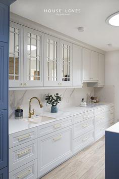 Projekt NAVY - granatowa, elegancka kuchnia w klasycznym stylu Kitchen Room Design, Modern Kitchen Design, Home Decor Kitchen, Interior Design Kitchen, Home Kitchens, Custom Kitchens, Diy Kitchen, Kitchen Cabinet Styles, Kitchen Cabinets