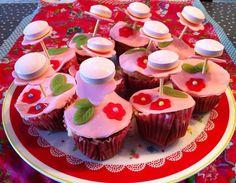 Flowers Anna, Flowers, Desserts, Food, Tailgate Desserts, Deserts, Essen, Postres, Meals